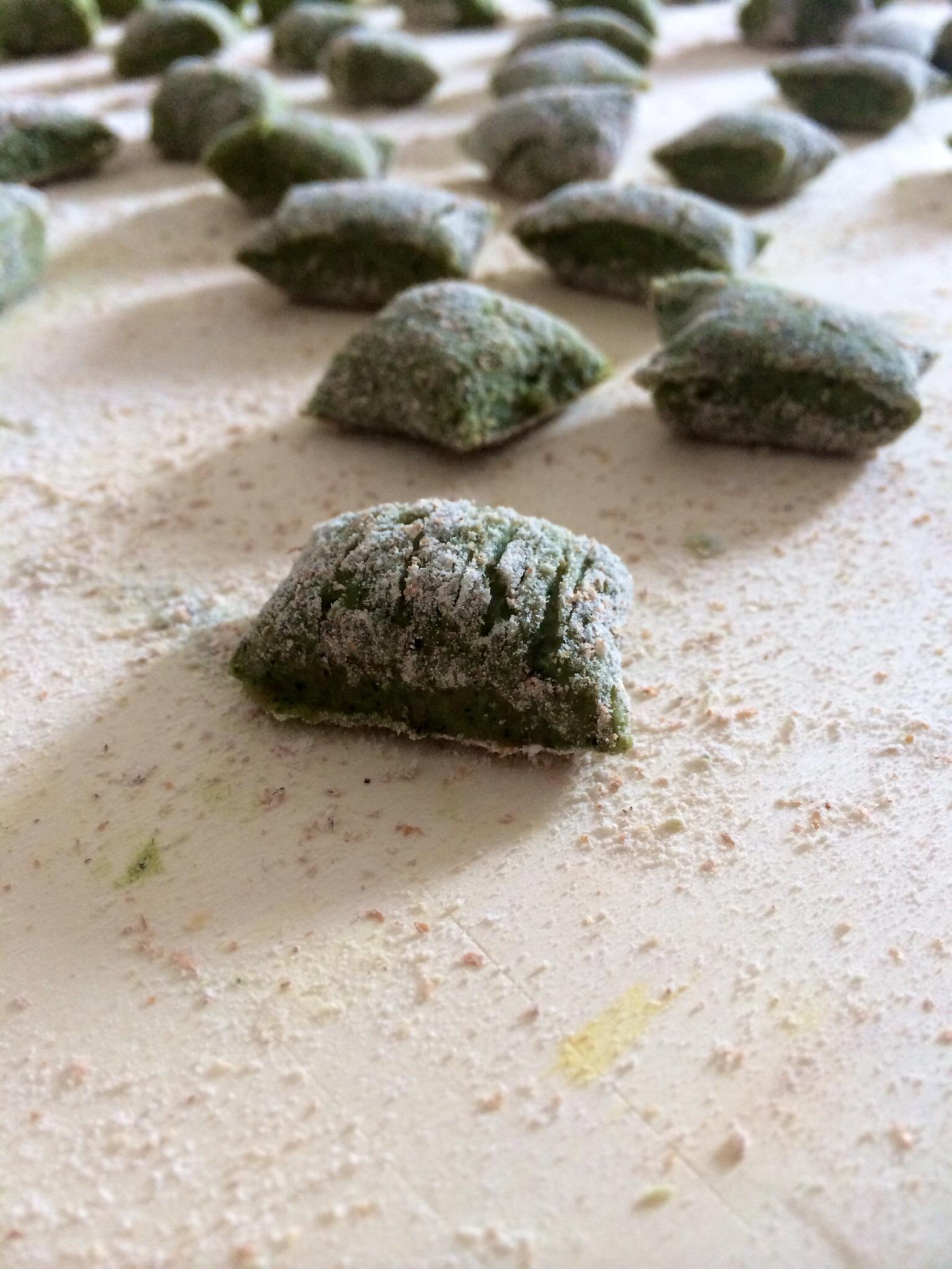 Chicche della nonna con cavolo nero e sugo vegetale - Corsi cucina piacenza ...