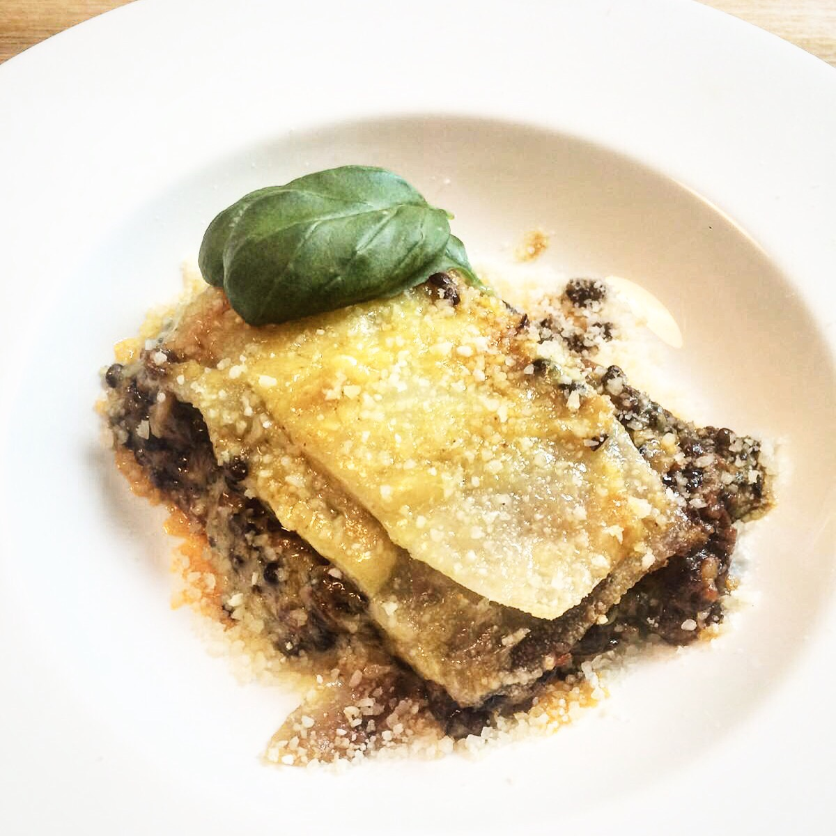 Lasagne con ragu di lenticchie beluga e besciamella alla - Corsi cucina piacenza ...