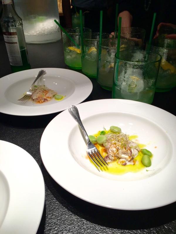 Carpaccio di ombrina con emulsione di pomodoro al profumo di arancia fave e germogli freschi - Corsi cucina piacenza ...