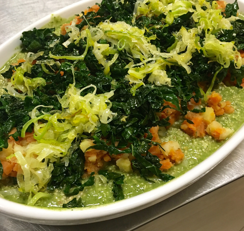 Quinoa con patate dolci con pesto di cavolo nero e porri - Corsi cucina piacenza ...